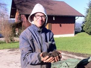 thomas rippel holding soil IMG_4423